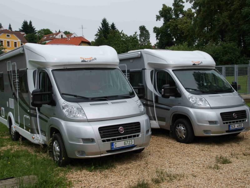 Vozy půjčovny Orange camp jsou luxusní a skvěle a vybavené