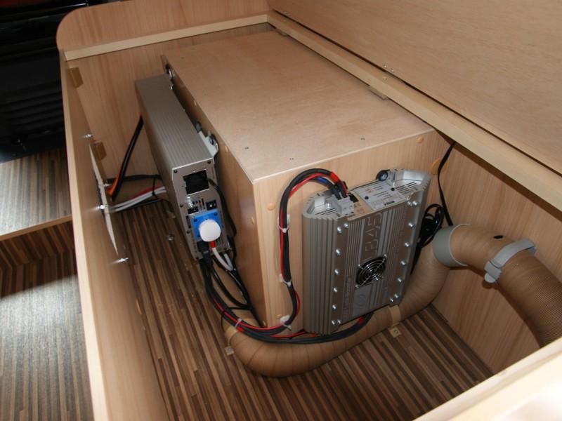 Díky Boosteru a měniči je možné používat nástavbovou klimatizaci i za jízdy