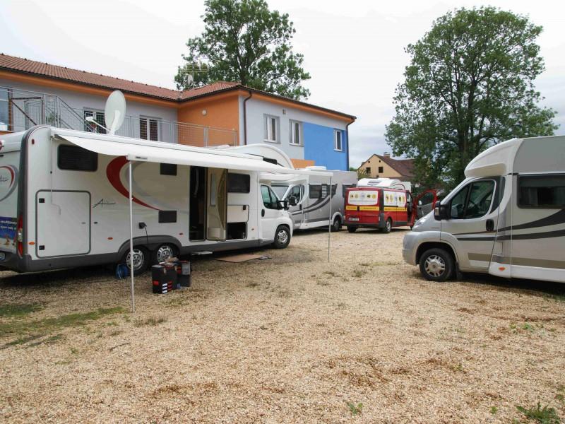 Orange Camp – prodej vozů, autopůjčovna