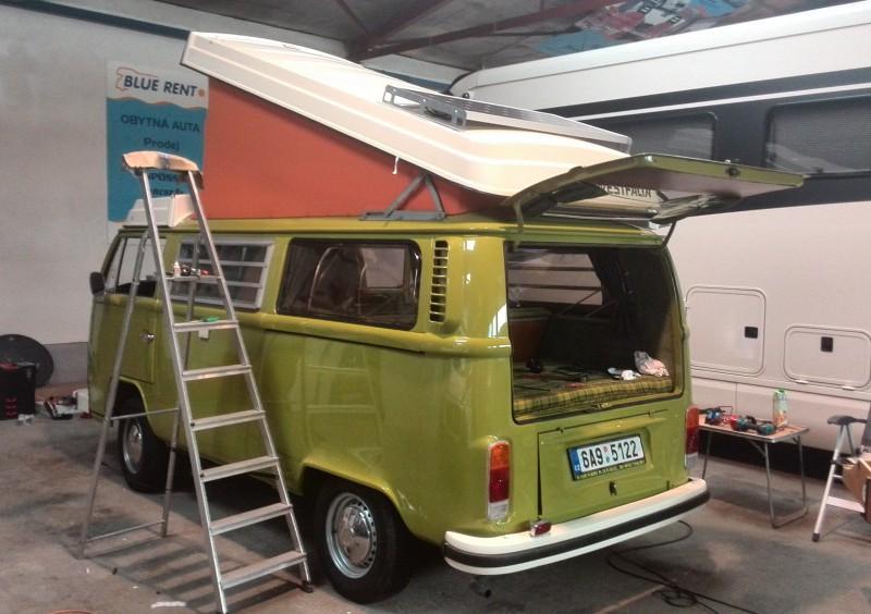 VW T2 zelený back