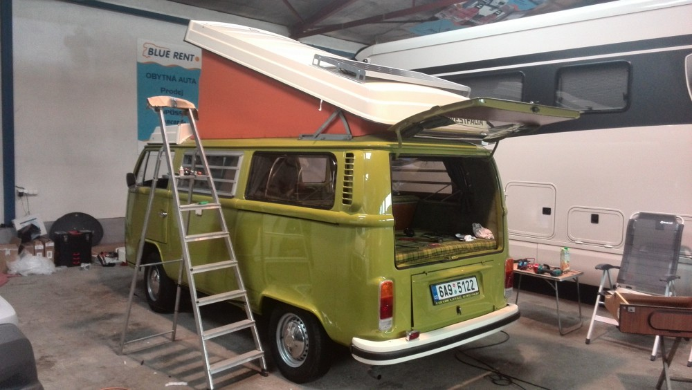 VW T2 zelený back