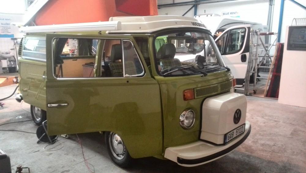 VW T2 zelený front