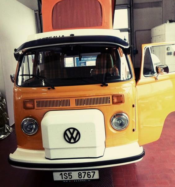 VW T2 žlutý front