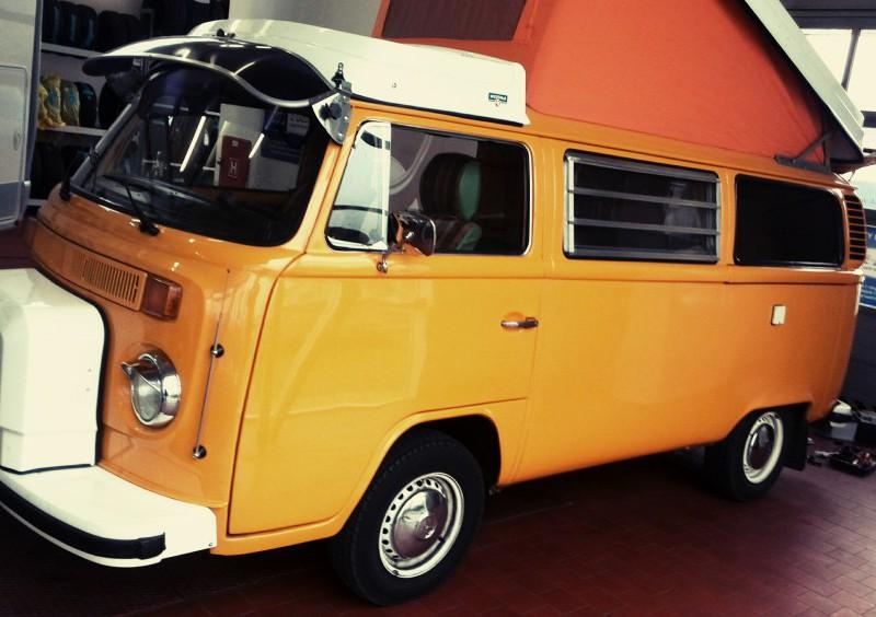 VW T2 žlutý